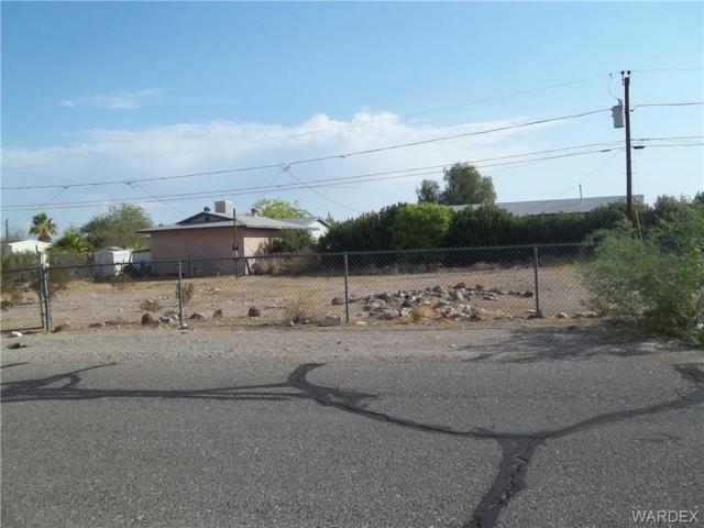 881 Harbor Drive, Bullhead, AZ 86442 (MLS #950825) :: The Lander Team