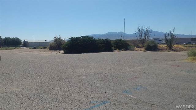 4200-4220 N Stockton Hill Road, Kingman, AZ 86409 (MLS #952587) :: The Lander Team