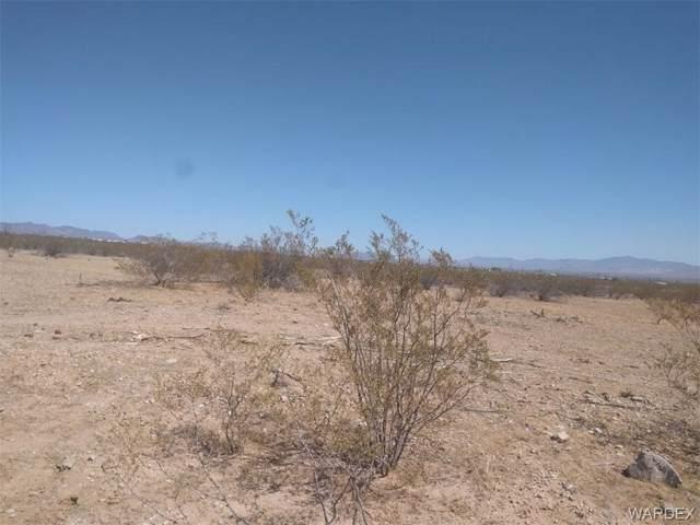 0000 Jade Street, Golden Valley, AZ 86413 (MLS #952782) :: The Lander Team