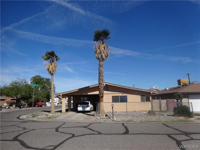 1033 Roadrunner Drive, Bullhead, AZ 86442 (MLS #953518) :: The Lander Team