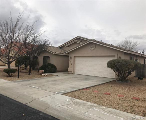 2121 Ranch Road, Kingman, AZ 86401 (MLS #954970) :: The Lander Team