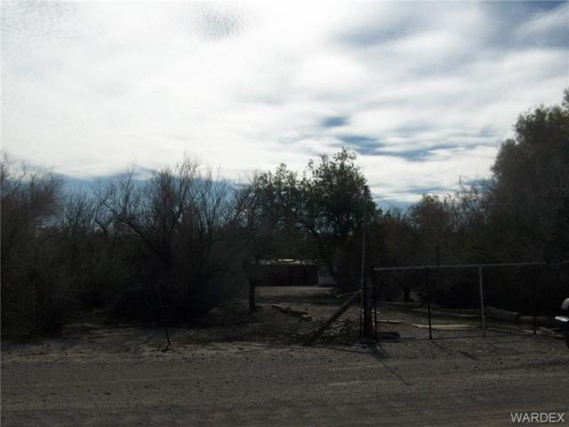 3030 E Old West Drive, Mohave Valley, AZ 86440 (MLS #955433) :: The Lander Team