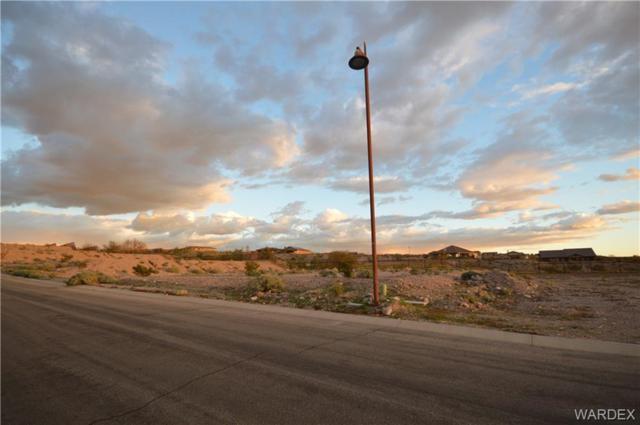 3198 Gila Drive, Bullhead, AZ 86429 (MLS #955602) :: The Lander Team