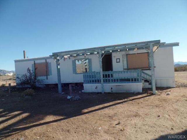 6196 W Albite Street, Golden Valley, AZ 86413 (MLS #955769) :: The Lander Team