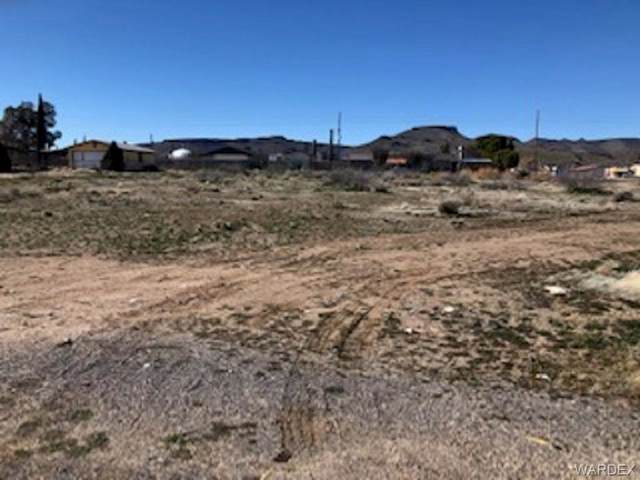 4495 N Stardust Road, Kingman, AZ 86409 (MLS #955775) :: The Lander Team