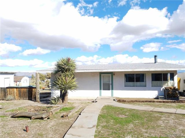 2438 S Dilkon Road, Golden Valley, AZ 86413 (MLS #955822) :: The Lander Team