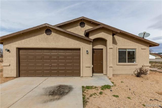 2411 Ashfork Avenue, Kingman, AZ 86401 (MLS #955873) :: The Lander Team
