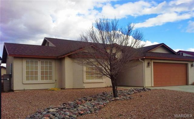 3848 N Eagle Rock, Kingman, AZ 86409 (MLS #955897) :: The Lander Team
