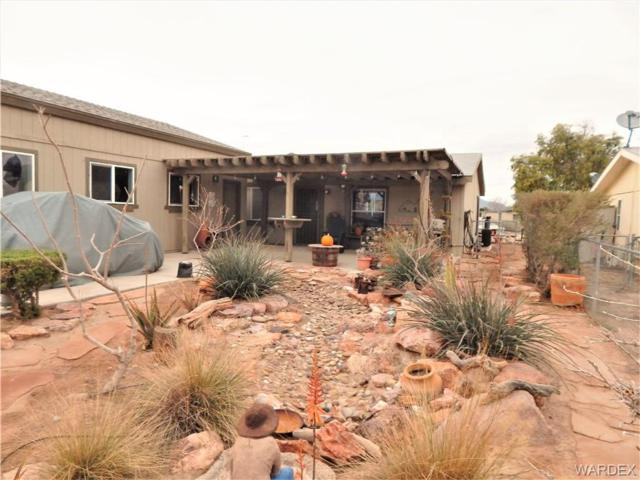 1067 E Acacia Drive, Mohave Valley, AZ 86440 (MLS #956380) :: The Lander Team