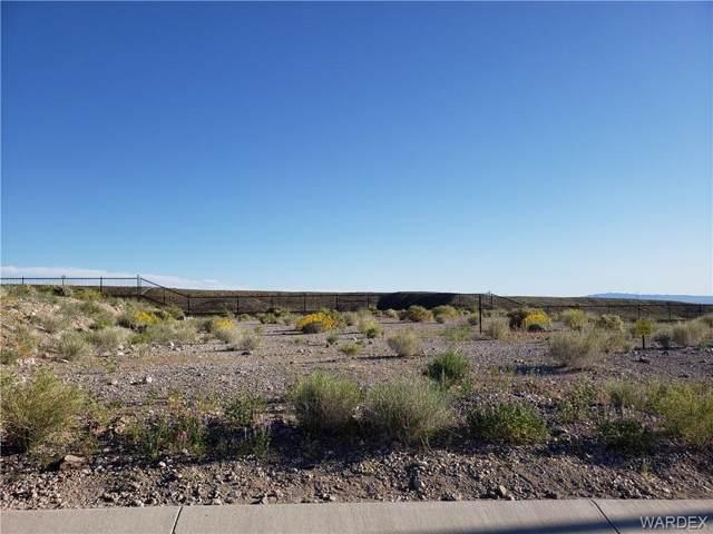 3074 Esmerelda Drive, Bullhead, AZ 86429 (MLS #956786) :: The Lander Team