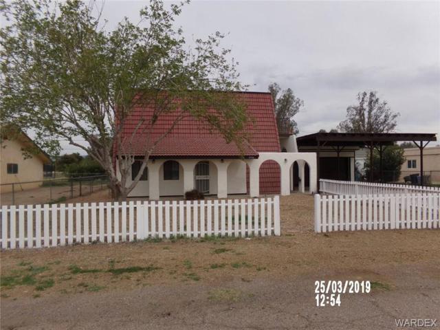 8720 Cedar, Mohave Valley, AZ 86440 (MLS #956813) :: The Lander Team