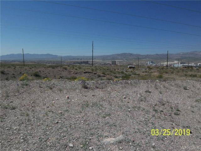 1017 Heritage Drive, Bullhead, AZ 86429 (MLS #956915) :: The Lander Team