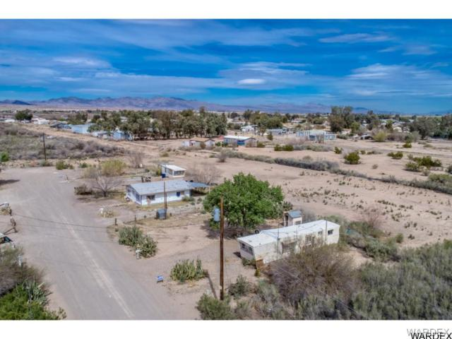 1261 E Vacation Drive, Mohave Valley, AZ 86440 (MLS #957360) :: The Lander Team
