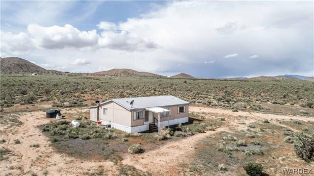 8468 E Country Road, Kingman, AZ 86401 (MLS #957469) :: The Lander Team
