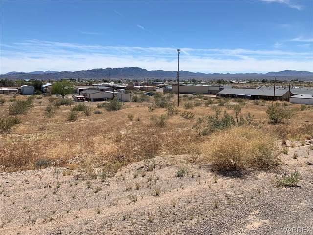 5084 E Chiricahua Drive, Topock/Golden Shores, AZ 86436 (MLS #957559) :: The Lander Team