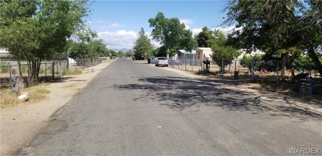 3846 E Lum Street, Kingman, AZ 86401 (MLS #958023) :: The Lander Team