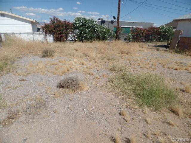 1942 Artesia Drive, Bullhead, AZ 86442 (MLS #958501) :: The Lander Team