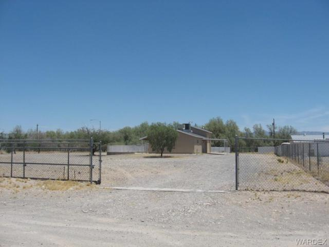 1300 E Valencia Road, Fort Mohave, AZ 86426 (MLS #958866) :: The Lander Team