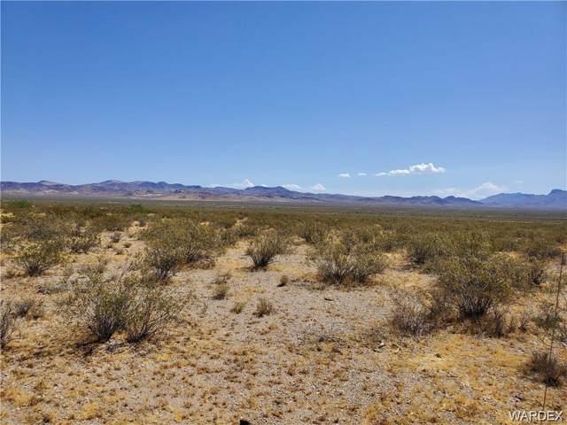 Lot 90 Matthew, Dolan Springs, AZ 86441 (MLS #961403) :: The Lander Team
