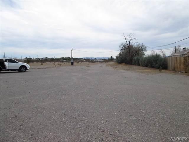 1744 E Hammer Ln, Fort Mohave, AZ 86426 (MLS #961466) :: The Lander Team
