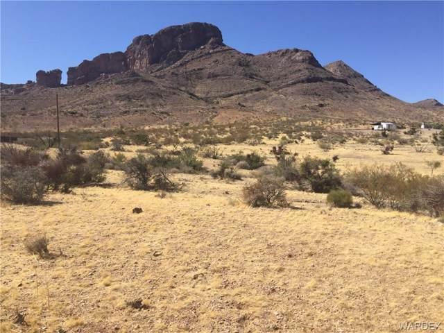 1565 S Gilbert Road, Golden Valley, AZ 86413 (MLS #961707) :: The Lander Team