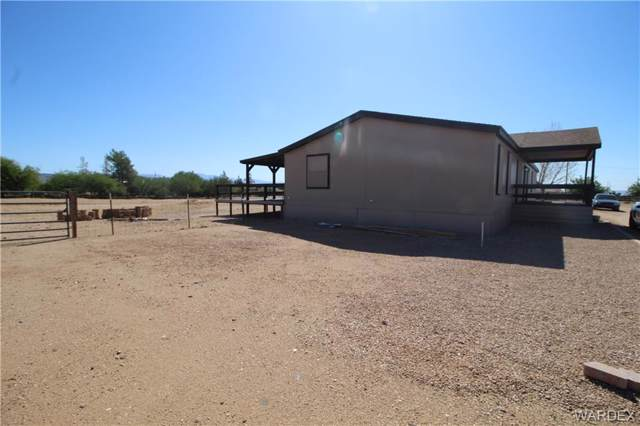 3604 N Hassayampa Road, Golden Valley, AZ 86413 (MLS #961870) :: The Lander Team