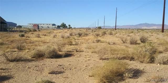 6003 W Shipp Drive, Golden Valley, AZ 86413 (MLS #961921) :: The Lander Team