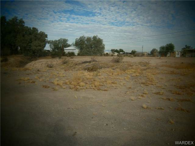 4921,4927 E Mission Drive, Topock/Golden Shores, AZ 86436 (MLS #961980) :: The Lander Team