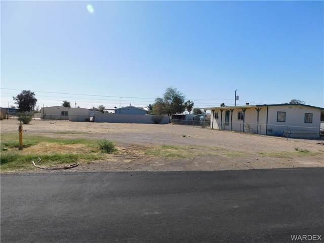 1060 Navajo Drive, Bullhead, AZ 86442 (MLS #962899) :: The Lander Team