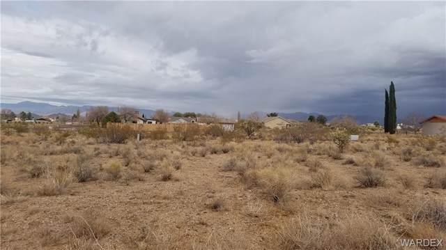 7609 E Old Mission Drive, Kingman, AZ 86401 (MLS #962929) :: The Lander Team