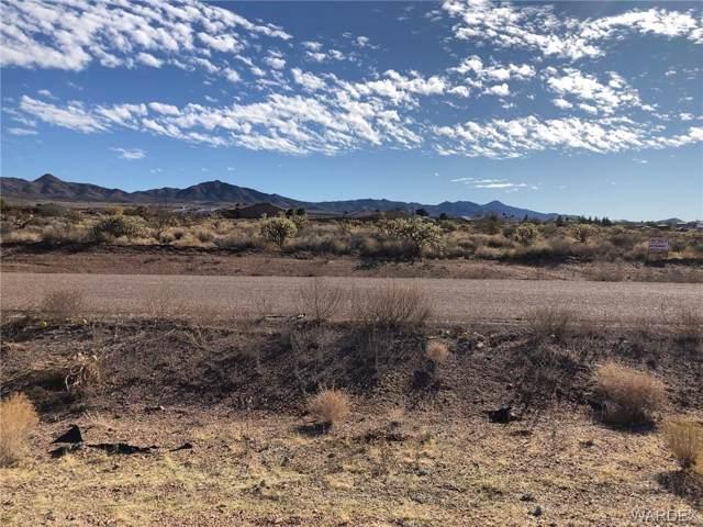 8826 N Lariat Drive, Kingman, AZ 86401 (MLS #963036) :: The Lander Team