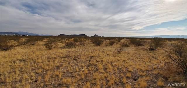 . S Yava Trail, Golden Valley, AZ 86413 (MLS #963157) :: The Lander Team