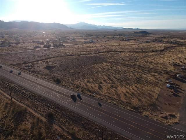 313 S Aztec Road, Golden Valley, AZ 86413 (MLS #963292) :: The Lander Team