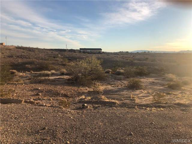 2036 Black Mountain Road, Bullhead, AZ 86442 (MLS #963301) :: The Lander Team