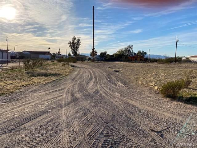 12811 S Pima Parkway, Topock/Golden Shores, AZ 86436 (MLS #963914) :: The Lander Team