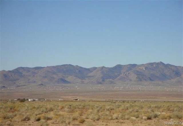 UNK E Thomas Road, Kingman, AZ 86401 (MLS #964743) :: AZ Properties Team | RE/MAX Preferred Professionals
