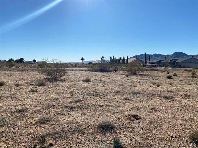 7955 E Monte Tesoro Drive, Kingman, AZ 86401 (MLS #964764) :: The Lander Team