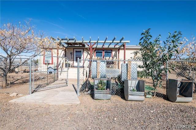 4277 W Shipp Drive, Golden Valley, AZ 86413 (MLS #964949) :: The Lander Team