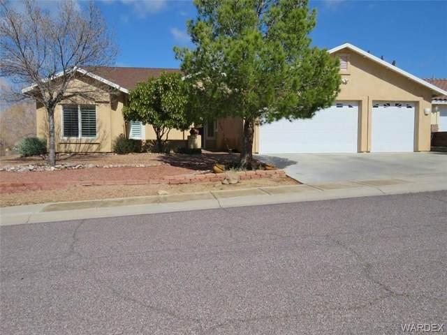3063 Brenda Circle, Kingman, AZ 86401 (MLS #965040) :: The Lander Team