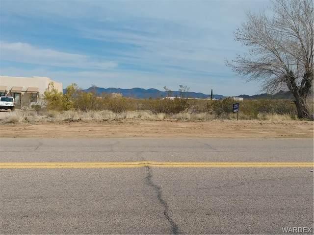 7205 E Concho Drive, Kingman, AZ 86401 (MLS #965085) :: The Lander Team