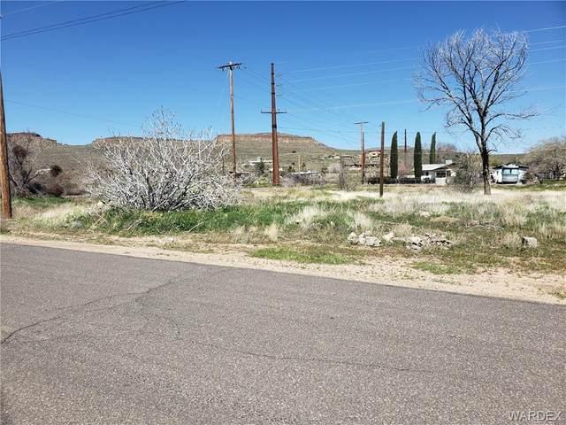 415 E Simon Avenue, Kingman, AZ 86409 (MLS #965840) :: The Lander Team