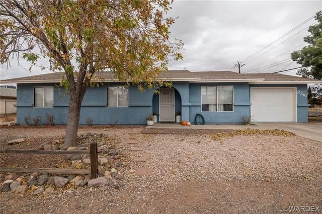 2241 Lucille Avenue, Kingman, AZ 86401 (MLS #966017) :: The Lander Team