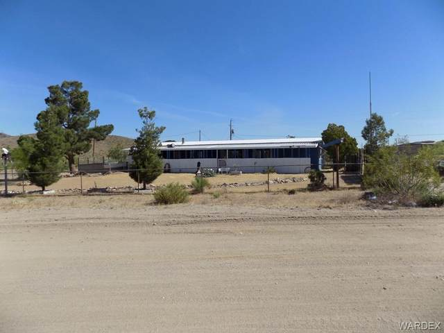 6975 W Cinch Drive, Dolan Springs, AZ 86441 (MLS #966870) :: The Lander Team