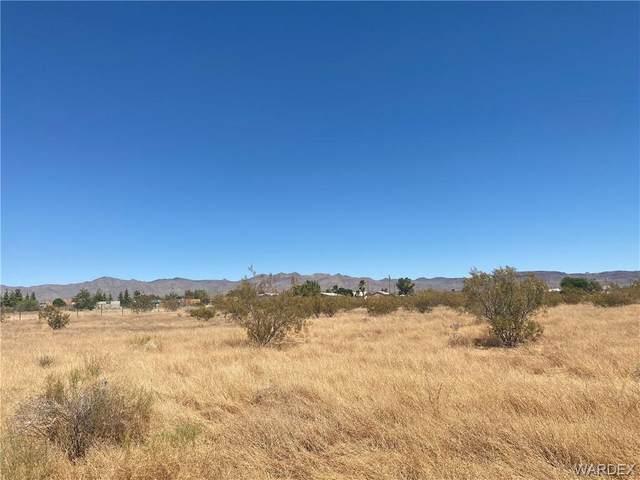 0000 S Santa Cruz Road, Golden Valley, AZ 86413 (MLS #970881) :: The Lander Team