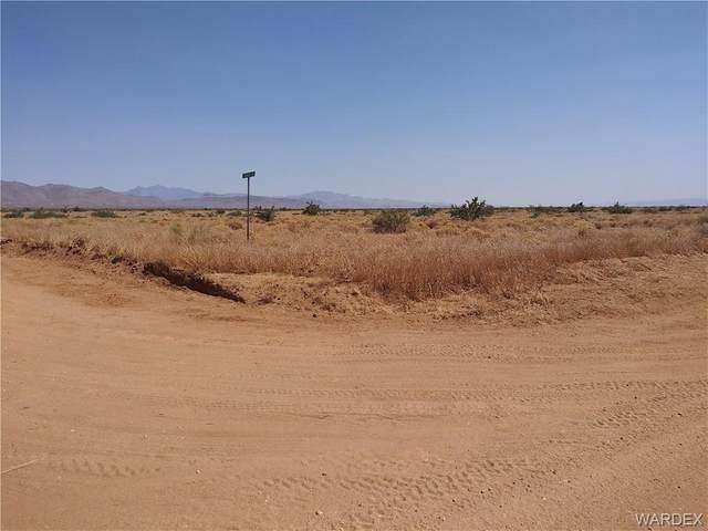 000 Jurassic, Golden Valley, AZ 86413 (MLS #970988) :: The Lander Team