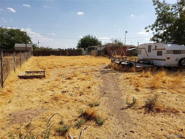 2120 E Neal Avenue, Kingman, AZ 86409 (MLS #973439) :: AZ Properties Team | RE/MAX Preferred Professionals