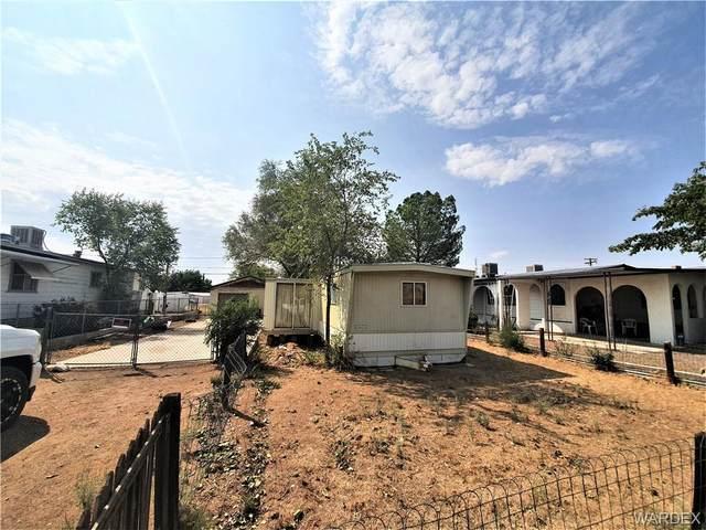 2630 E Packard Avenue, Kingman, AZ 86409 (MLS #973843) :: The Lander Team