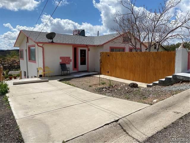 124 Spruce Street, Kingman, AZ 86401 (MLS #973987) :: The Lander Team