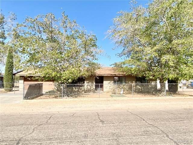 3661 E Bluebird Lane, Kingman, AZ 86409 (MLS #974117) :: The Lander Team