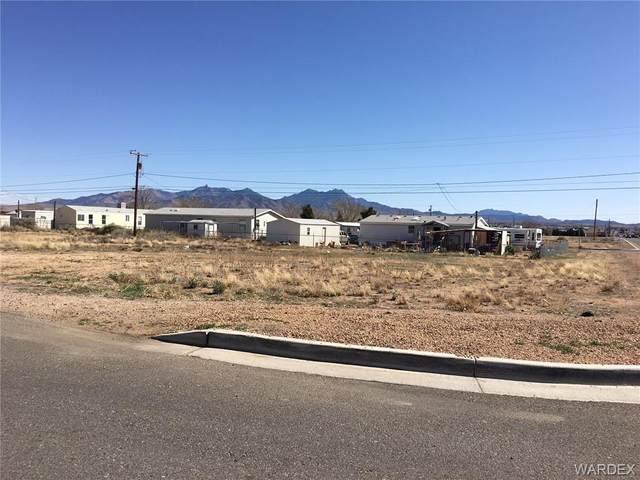 3006 E Hearne Avenue, Kingman, AZ 86409 (MLS #974126) :: The Lander Team